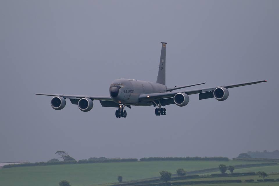 Во Львов прилетели пять американских военных самолетов KC-135 Stratotanker / фото facebook.com/vokinburt