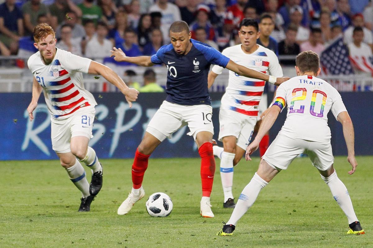 Сборные Франции и США сошлись в очном матче во французском Лионе / Reuters