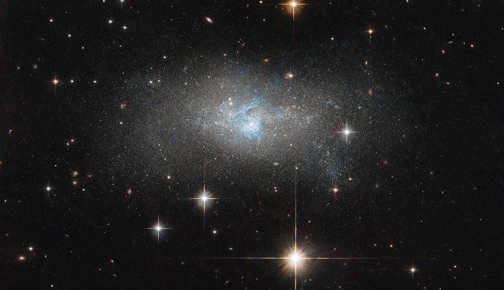 NASA опубликовало уникальный снимок карликовой галактики IC 4870 / фото nasa.gov