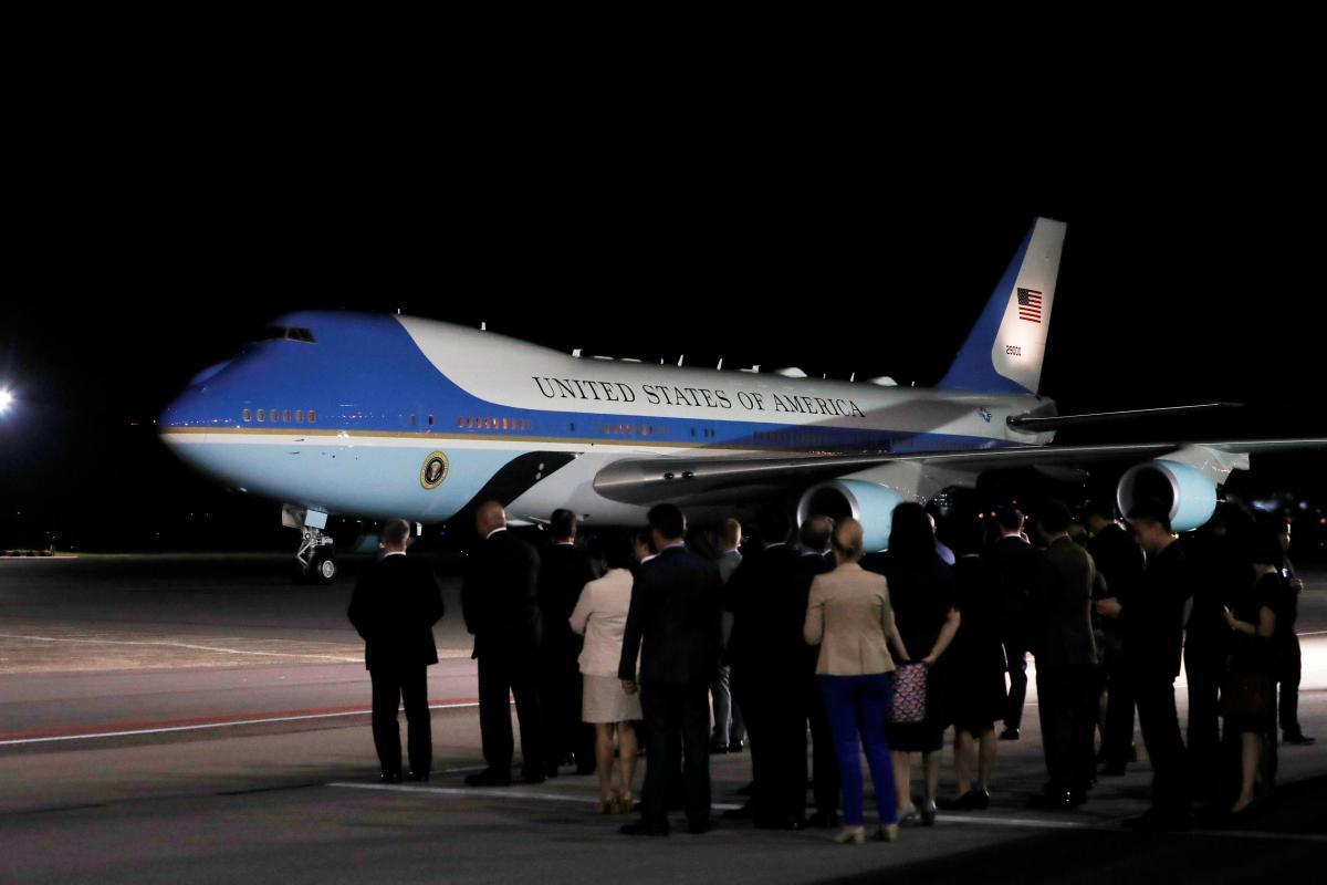 Самолет Трампа в Сингапуре / фото REUTERS