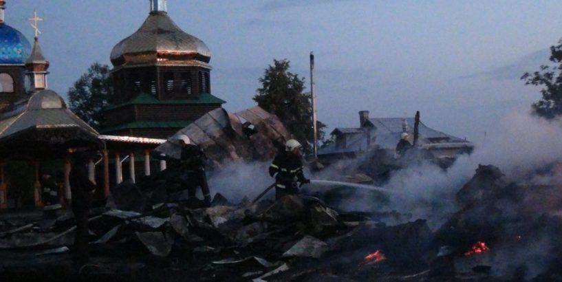 На Франковщине сгорела церковь / dzerkalo.media