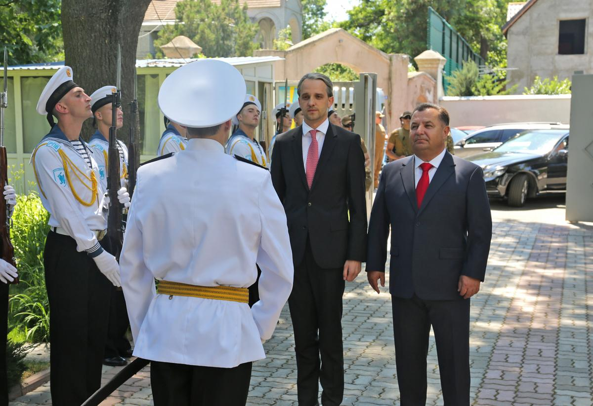 Министр обороны Украины Степан Полторак встретился в Одессе с министром обороны Молдовы Еудженом Стурзой / Министерство обороны Украины