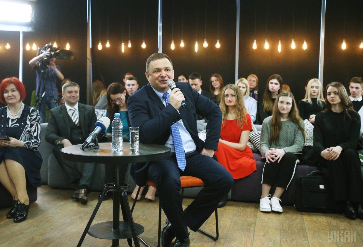 Станіслав Шевчук: В умовах слабкої демократії, звичайно, суспільна недовіра переключається на найслабшу гілку державної влади / Фото УНІАН