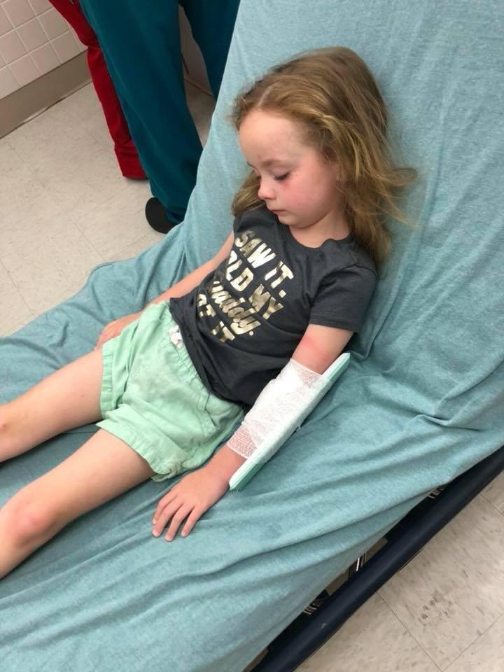 Действие токсина парализовало5-летнюю девочку / фото facebook.com/jessica.l.durham.5