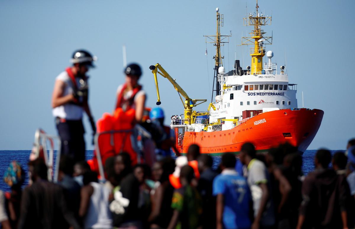 Судно с мигрантами Aquarius / REUTERS