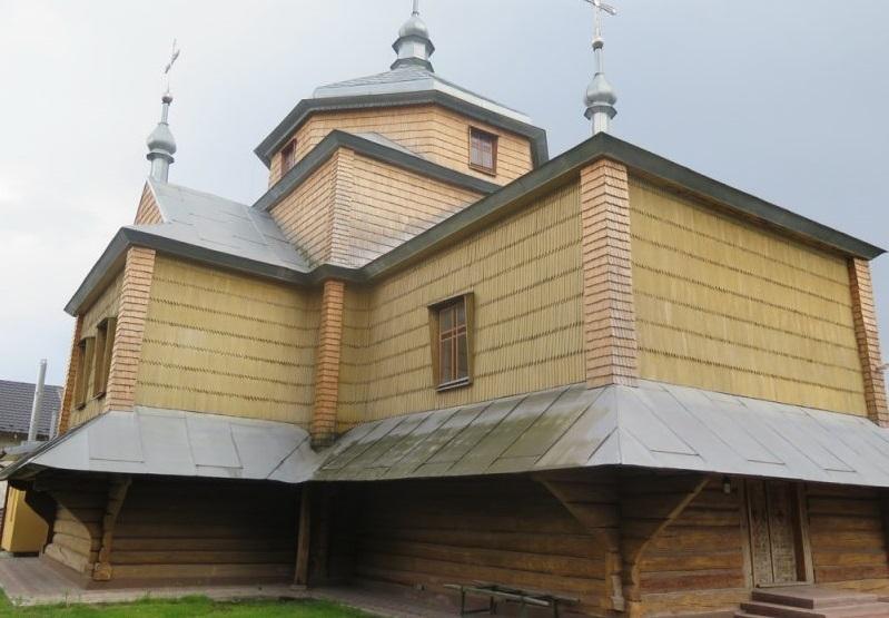 Деревянная церковь Святого Архистратига Михаила / gk-press.if.ua