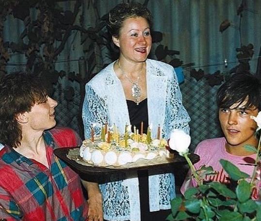 Женщина стала официальным опекуном Шатунова, когда ему было 15 лет / Instagram Андрей Разин