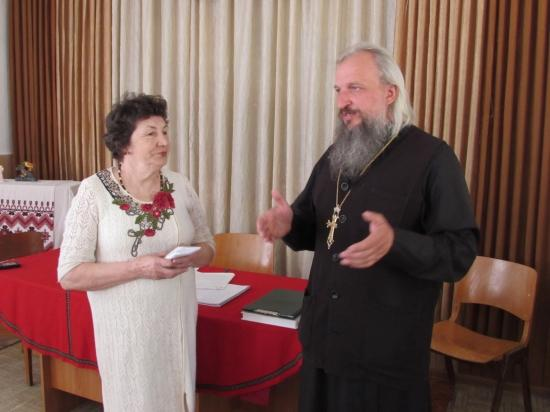 Священики передали кошти для незрячих / gorokhivblag.com.ua