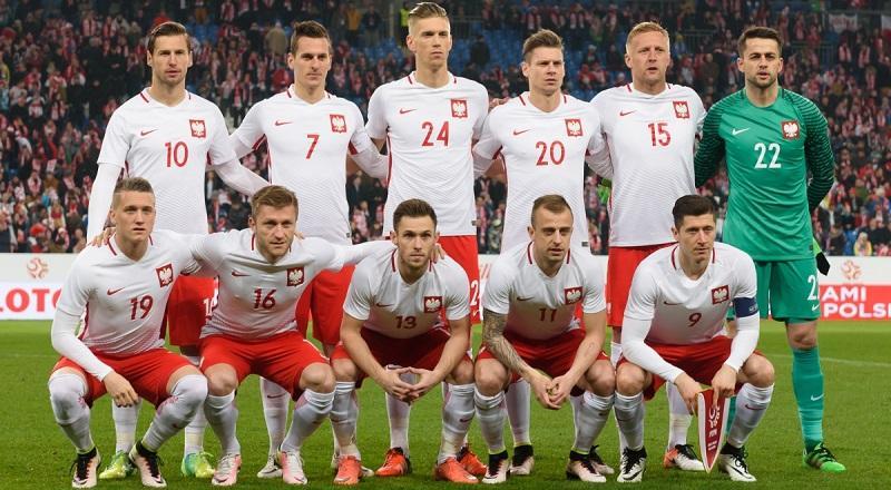 Сборная Польши не будет фаворитом в своей группе ЧМ-2018 / Reuters