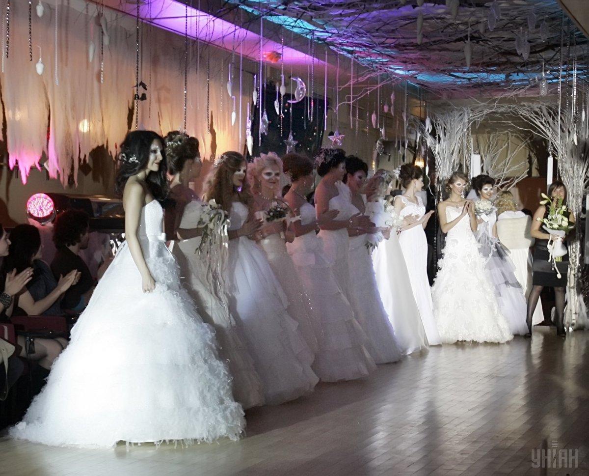 Можно ли устроить красивую, но недорогую свадьбу? / Фото УНИАН