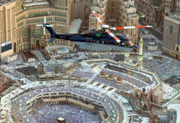 Вертоліт патрулює територію Забороненої мечеті / islam-today.ru