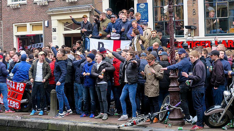 Более 1200 британских болельщиков получили запрет на посещение матчей ЧМ / REUTERS