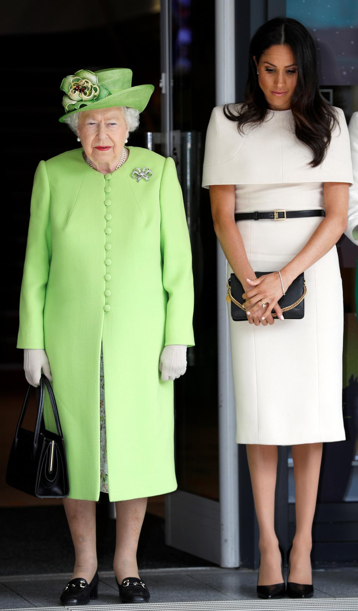 Королева Єлизавета ІІ і Меган Маркл / фото REUTERS
