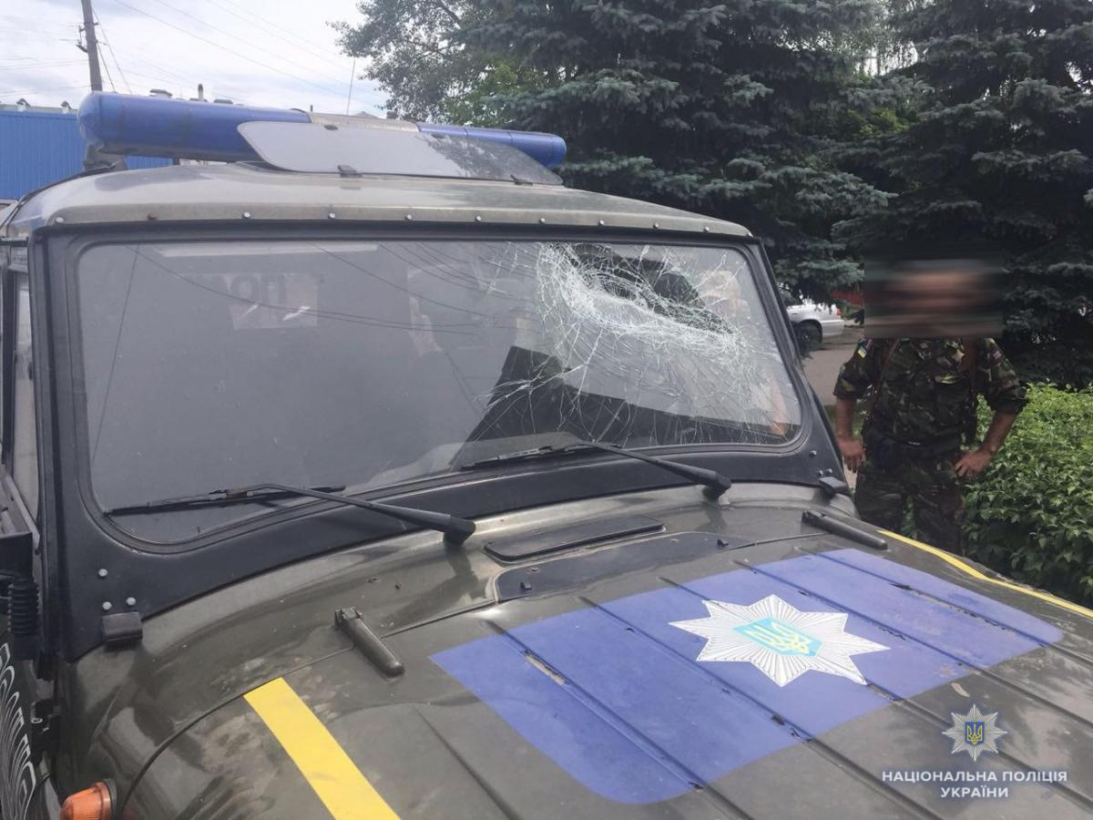 Одного із учасників інциденту правоохоронці затримали і доставили до Рокитнівського відділення поліції / Фото rv.npu.gov.ua