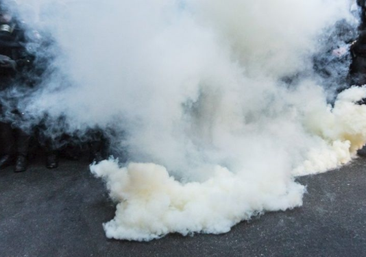 9650b831cd3c30 У Львові внслідок вибуху приміщення магазину заполонив їдкий дим / фото  УНІАН