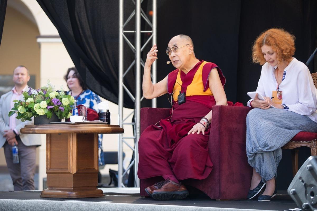 Далай-лама поблагодарил народ Литвы за поддержку тибетцев / ru.delfi.lt