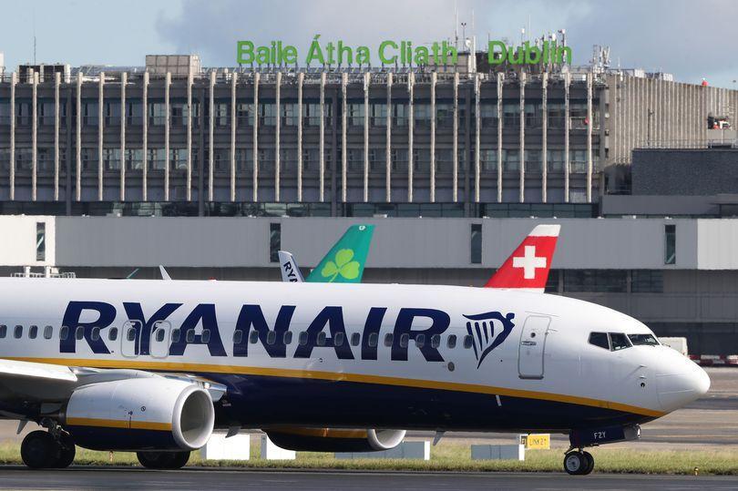 Пьяные пассажиры устроили масштабную драку наборту самолета Ryanair