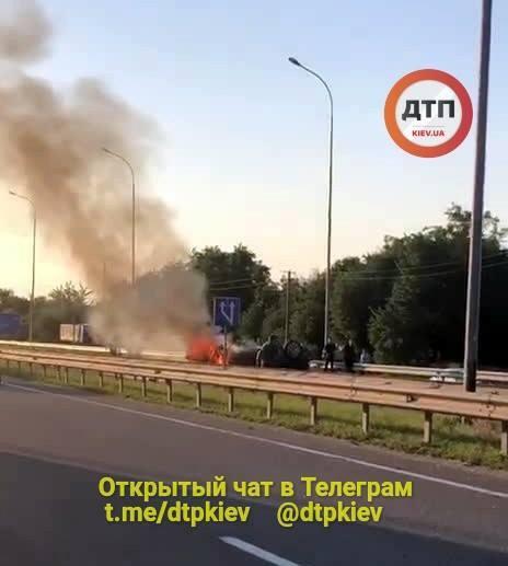 Водитель автомобиля попал в реанимацию / фото dtp.kiev.ua