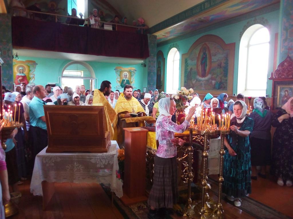 Православные Гайворона поклонились мощам двухсот святых угодников / orthodox-kr.org.ua