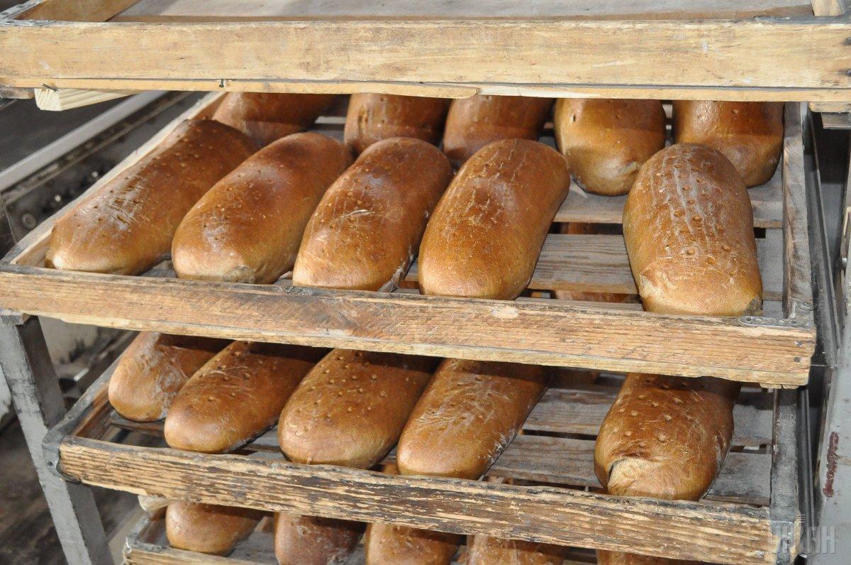 Социальный белый хлеб за год вырос в цене на 30% / фото УНИАН