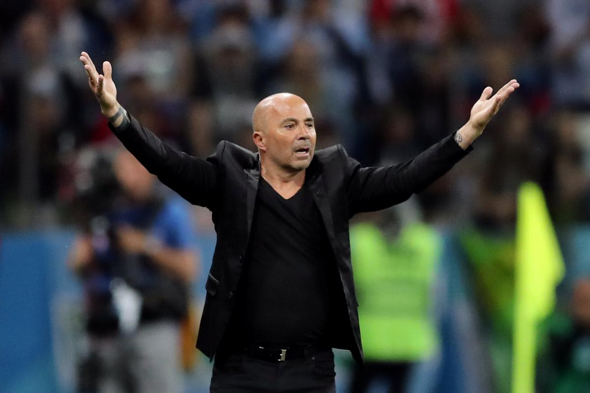 Тренеру сборной Аргентины пришлось несладко во время матча с Хорватией / Reuters
