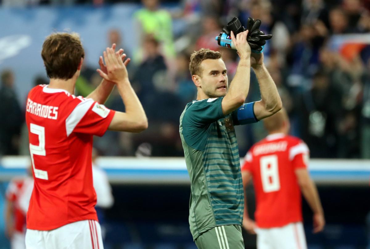 Российских футболистов стоит проверить на допинг из-за их отличных результатов / Reuters