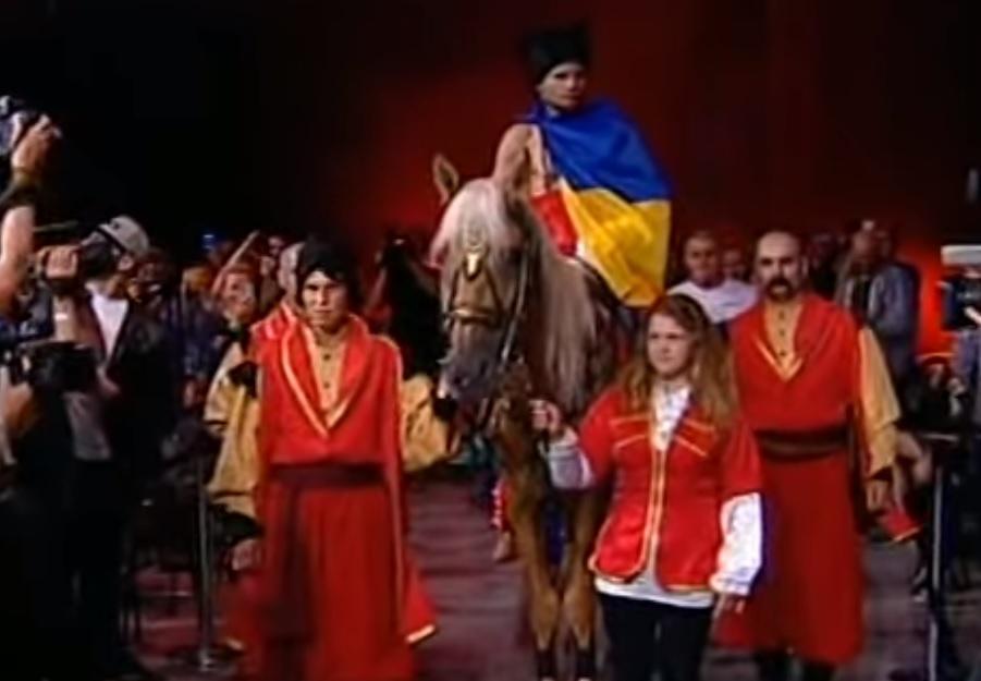 """Денис Беринчик был """"на коне"""" в бою с Приетой / Скриншот - Youtube, UkraineAtamansPRO"""