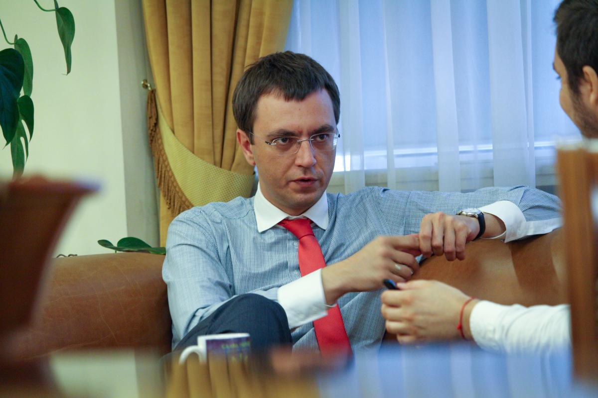 Министр надеется, что маршрут поезда будет продлен до Таллинна / фото УНИАН