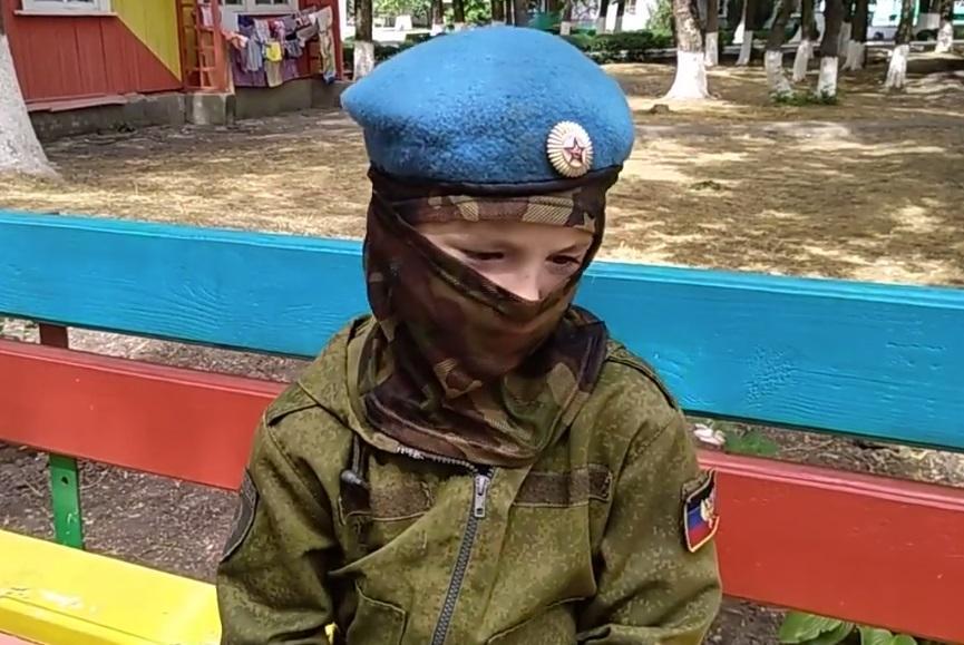 """Ребенок рассказал о """"дружбе"""" с террористами """"ДНР"""" / Скриншот"""