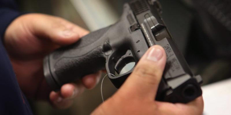 Близько 200 католицьких священиків на Філіппінах просять дозволити їм носити зброю / sedmitza.ru