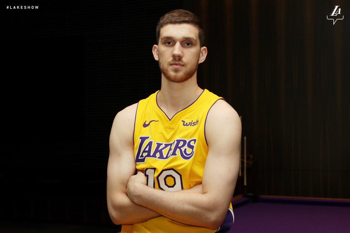 """Святослав Михайлюк провел первый матч за """"Лейкерс"""" / twitter.com/Lakers"""
