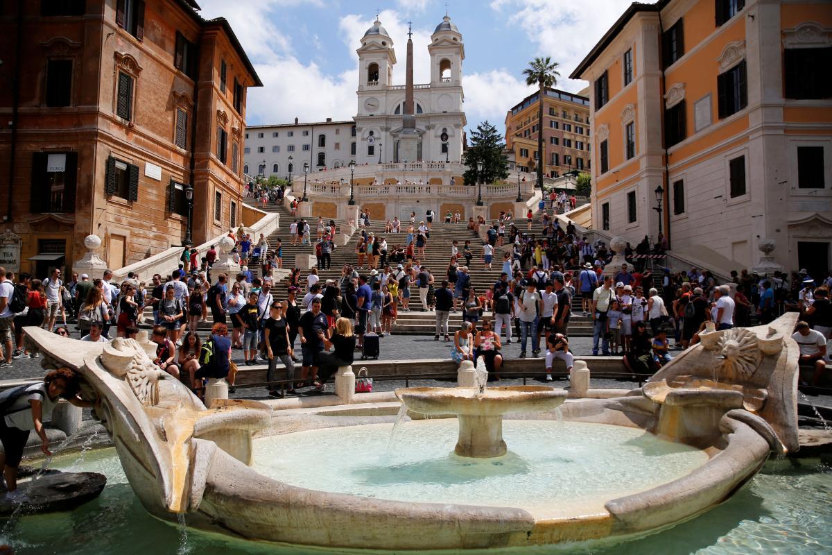 Число туристів у світі продовжує зростати / Фото REUTERS