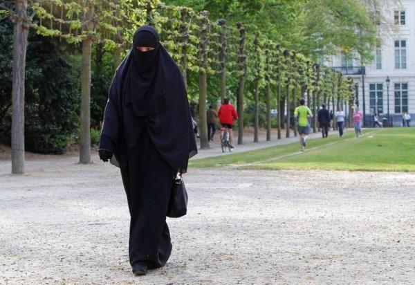 Закон про заборону закриває обличчя одягу прийнялив Нідерландах / islam-today.ru
