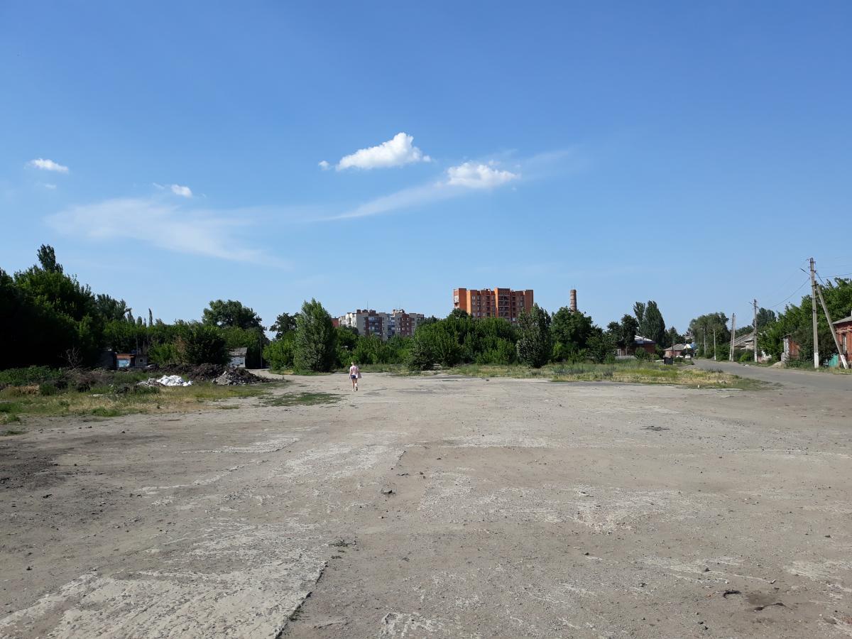 Пустир на вулиці Учительській, 17, де буде споруджено храм УАПЦ