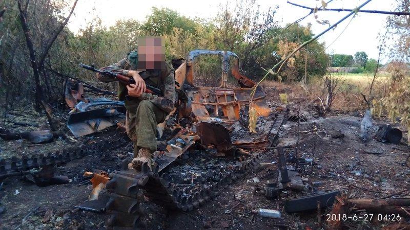 Боевики несут потери в технике / фото twitter.com/666_mancer
