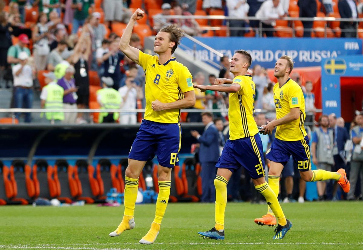 Сборная Швеции с крупным счетом обыграла команду Мексики / Reuters