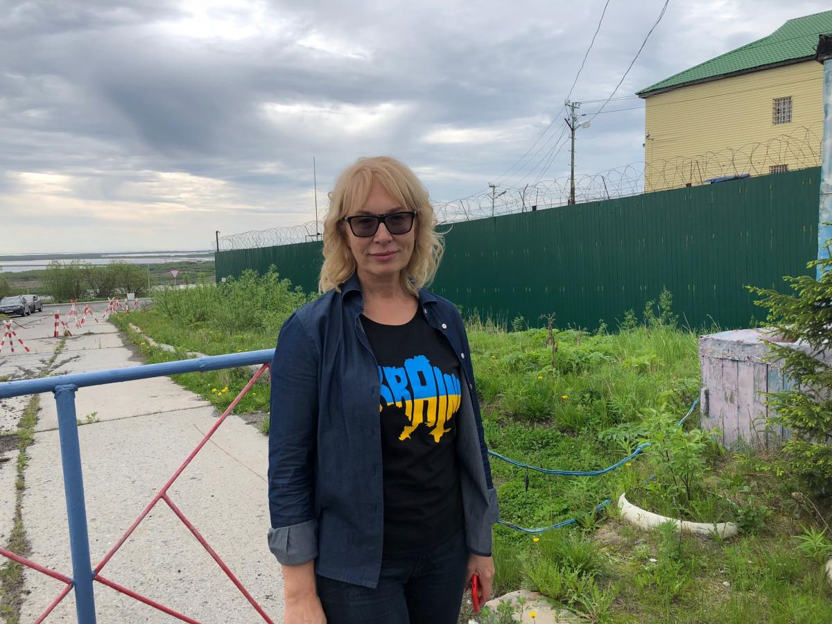 Людмила Денисова прибылав город Лабытнанги, где в колонии содержится ОлегСенцов/ фото Роман Цимбалюк