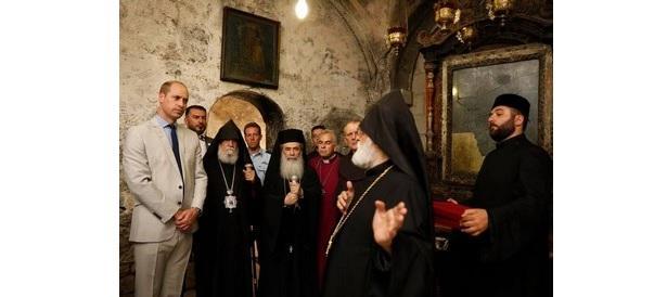 Вірменський Патріархат подарував принцу Вільяму хрест / aspekty.net