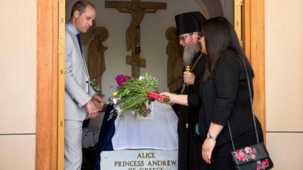 Принц Вільям відвідав могилу своєї прабабусі / bbc.com