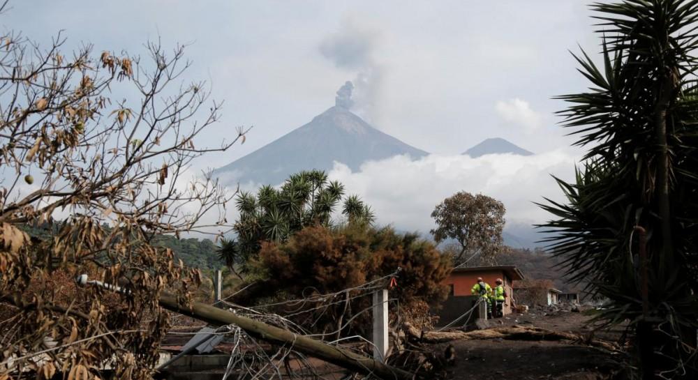 Последствия извержения вулкана показали вудивительном фотопроекте