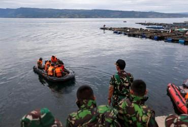 Крушение парома в Индонезии: 190 человек пропали без вести (фоторепортаж)