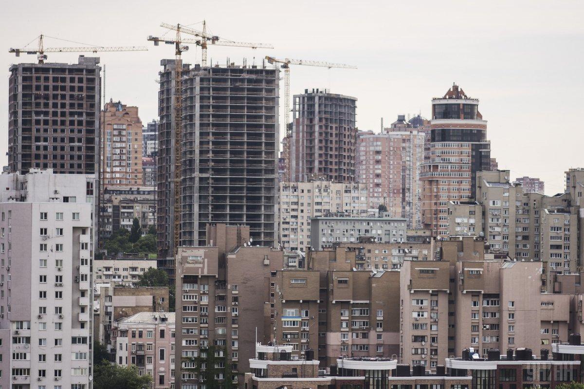 При этом строительство жилых зданий в Украине сократилось / фото УНИАН