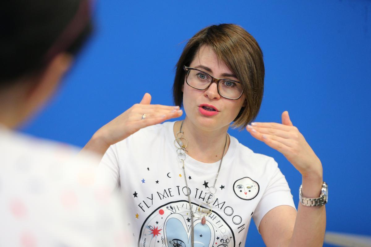"""Юлия Ярмоленко: Бывает, что родители просят: """"Расскажите нашим детям, что гомосексуальная ориентация – это нормально"""". И это замечательно, что существуют такие осознанные родители/ Фото УНИАН"""