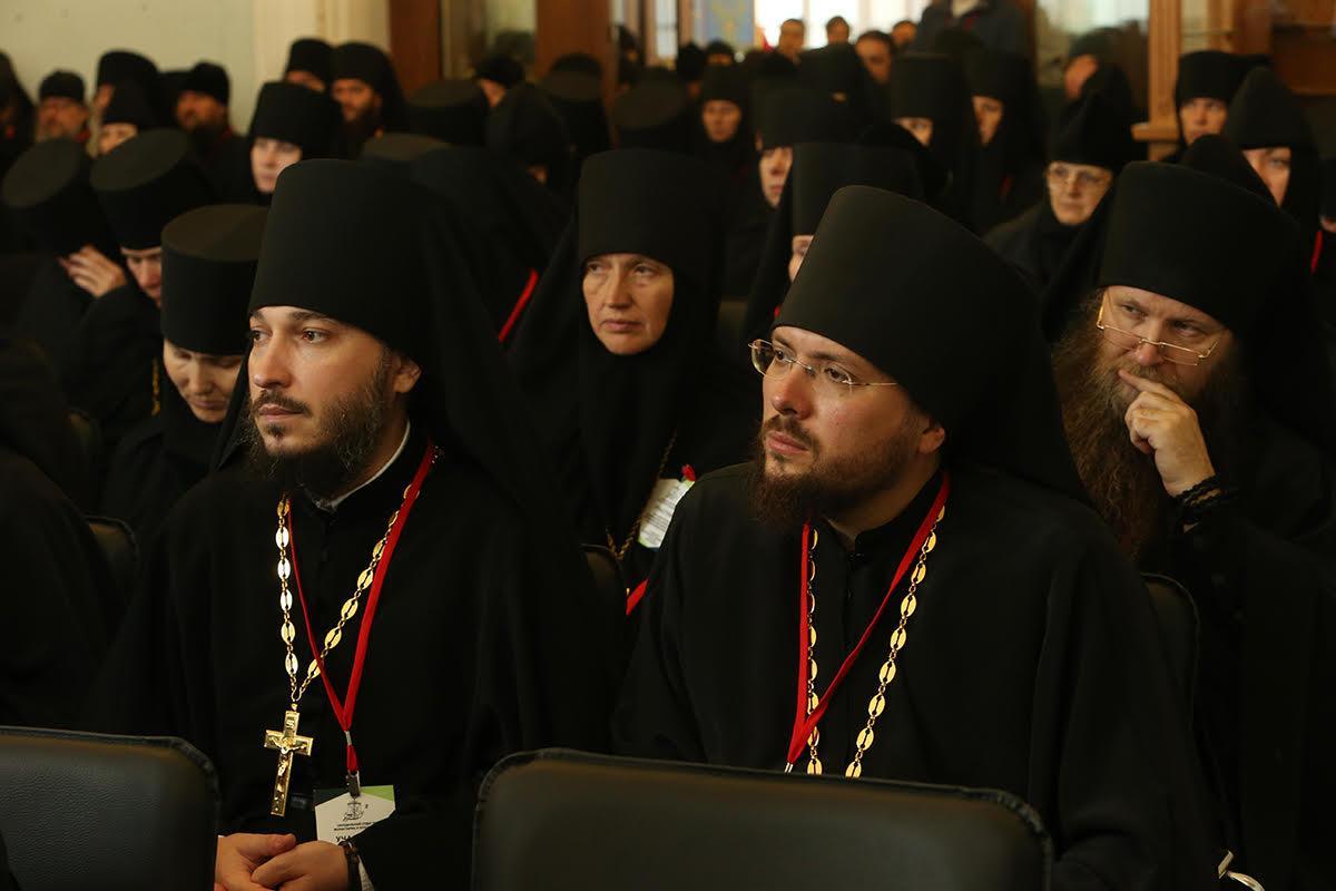 Участники заслушали выступления, посвященные примерамжитий святых и подвижниковXX века / monasterium.ru