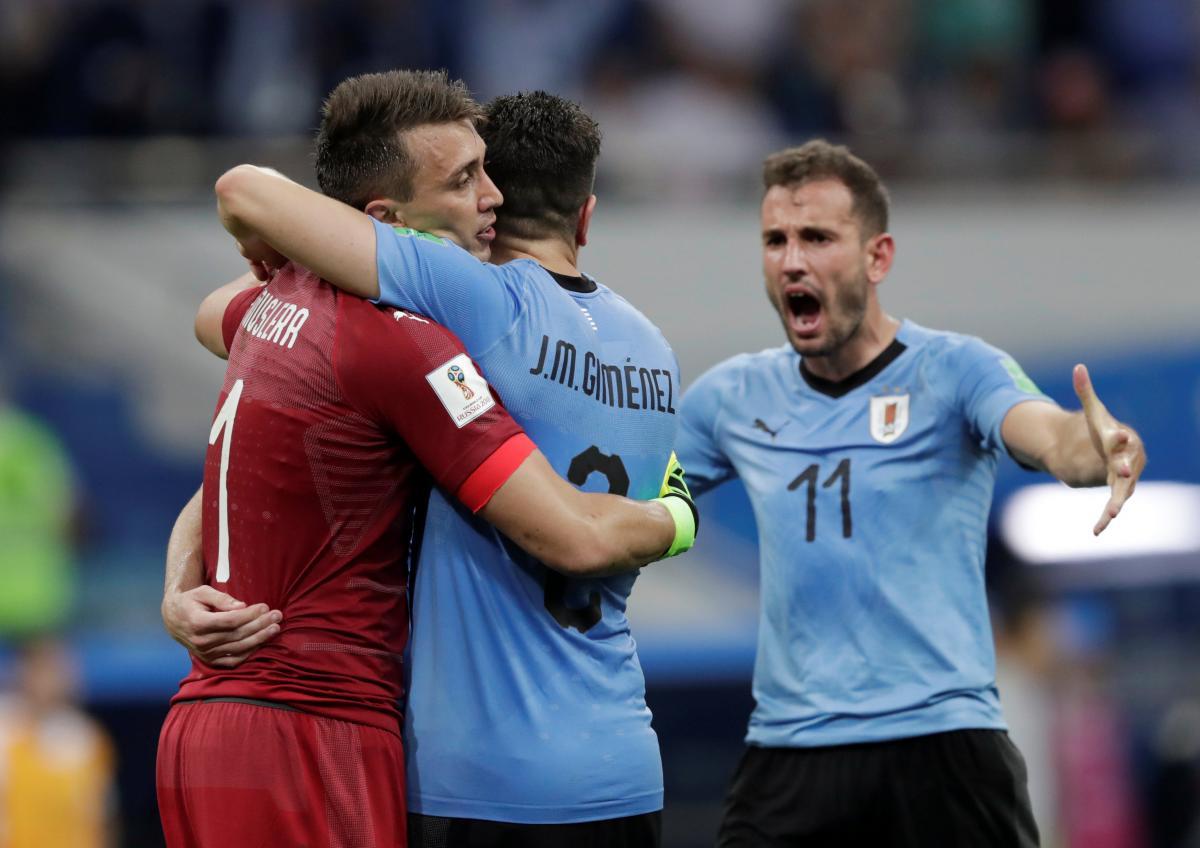 Стуані (праворуч) може стати заміною травмованому Кавані в матчі проти Уругваю Франції / Reuters