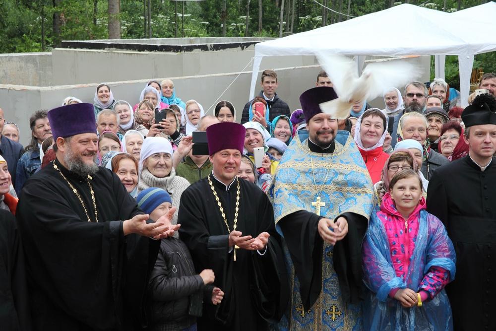 Опулевский источник прославился своей святой водой / pravoslavie.lv
