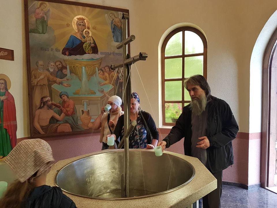 Поїздку очолив насельник Свято-Воскресенського чоловічого монастиря архімандрит Кіріон (Ковач) / m-church.org.ua