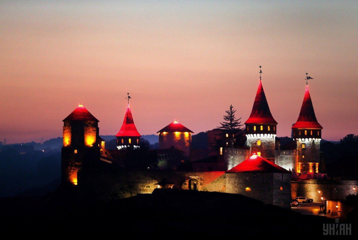 Хмельниччина може запропонувати туристам кілька стародавніх фортець, найвідоміша з яких - в Кам'янець-Подільському / УНІАН