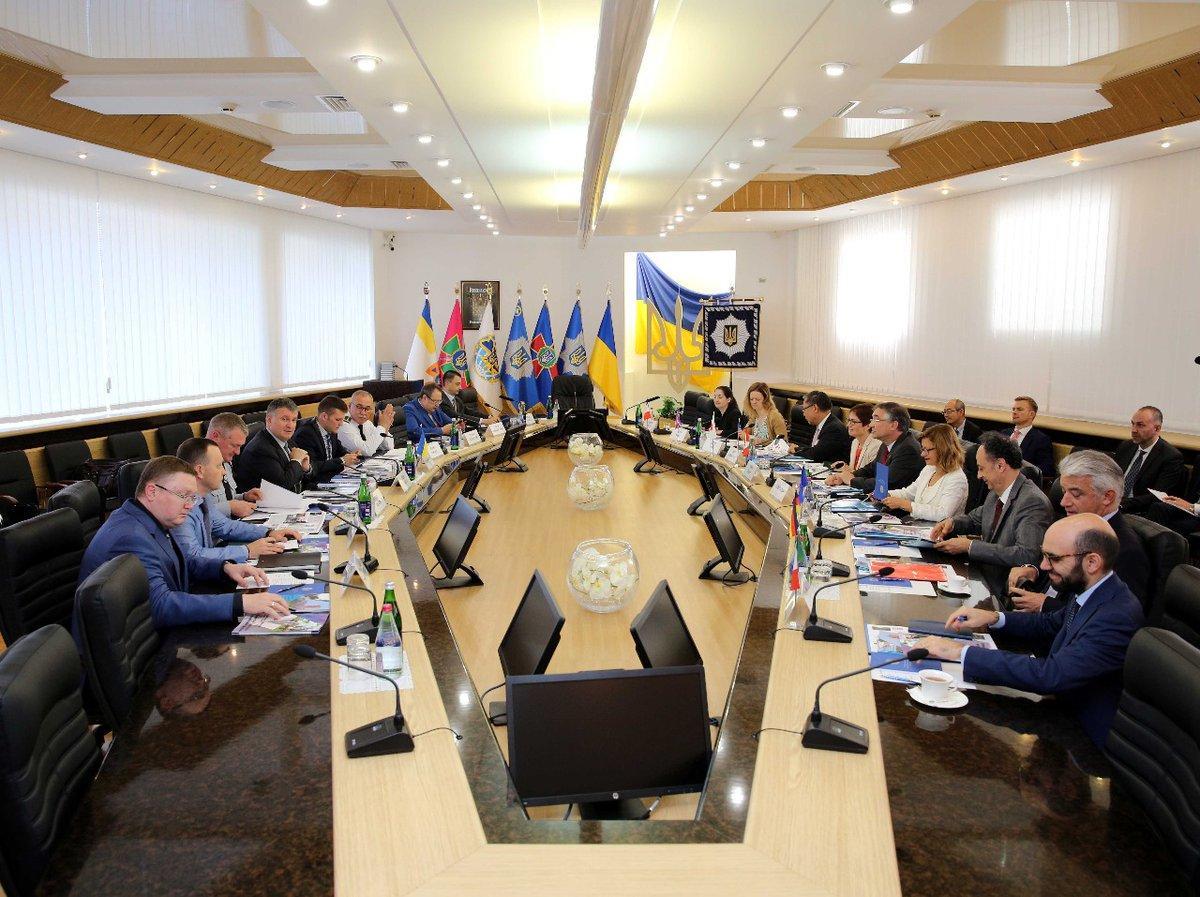Аваков встретился с послами G7 / Arsen Avakov - Twitter