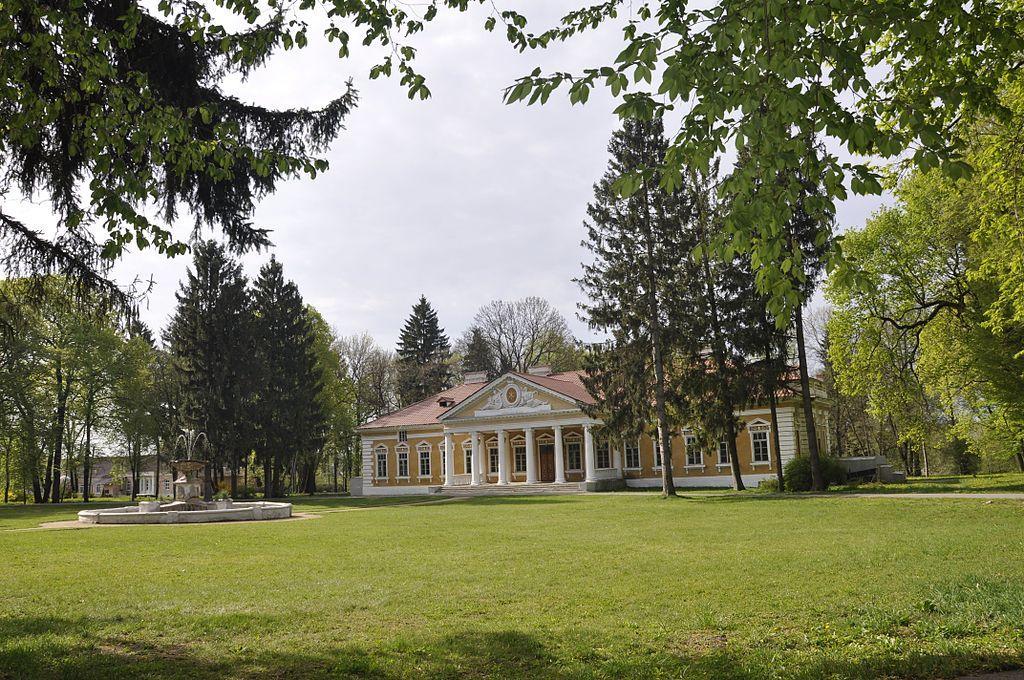Палацово-парковий ансамбль «Самчики» / Фото uk.wikipedia.org